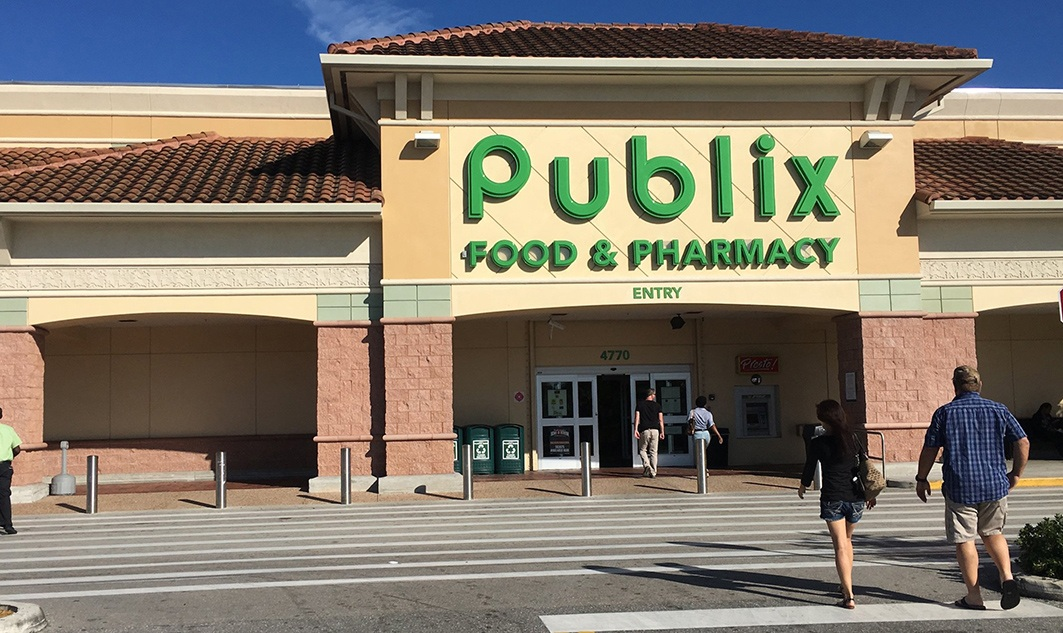 exterior of Publix grocery store