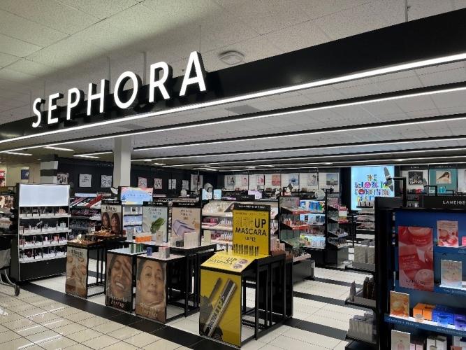 Sephora's storefront